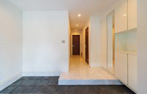 ORIENT BLACK/GRACE WHITE 三栄建築設計